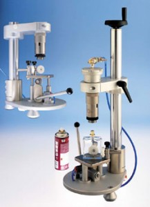 Machine parfum : machines de remplissage de flacons de parfum